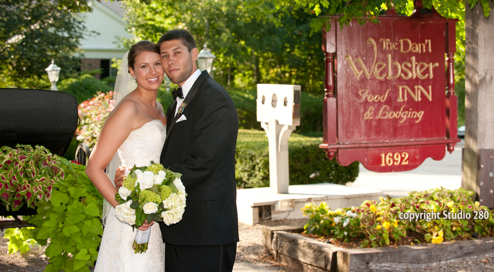 Bride & Groom at the Dan'l Webster Inn & Spa