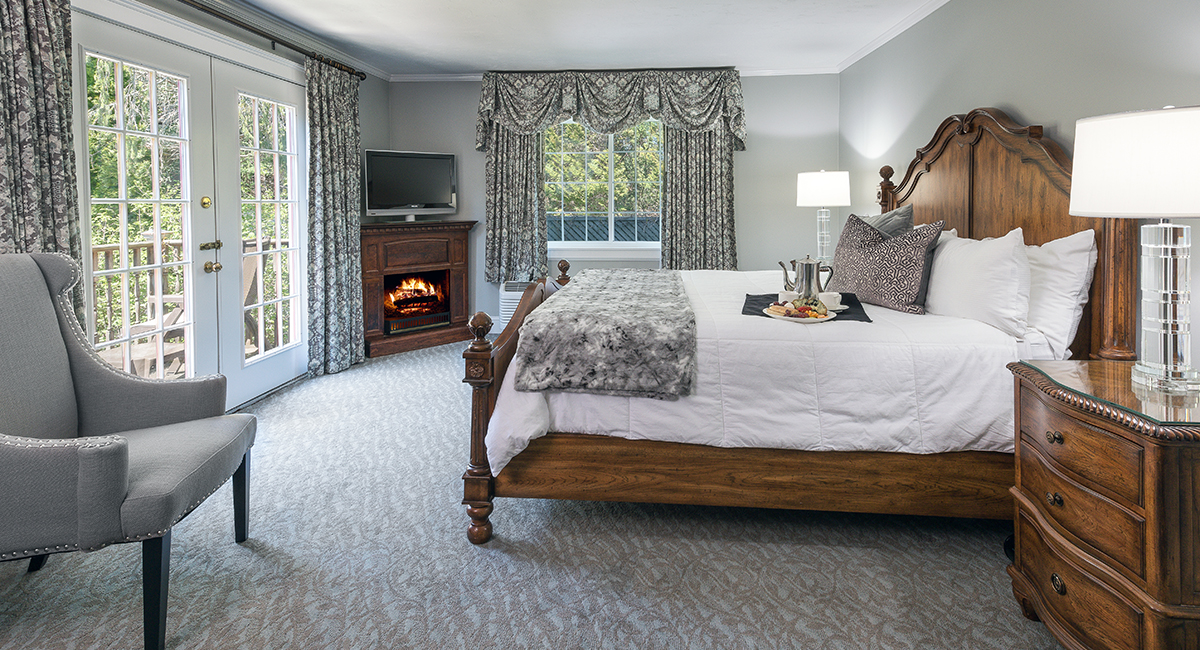 Romantic Guest Rooms at the Dan'l Webster Inn & Spa