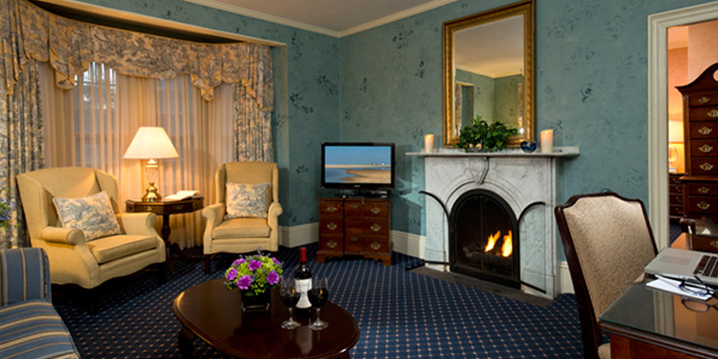 Fireplace Suites at the Dan'l Webster Inn & Spa