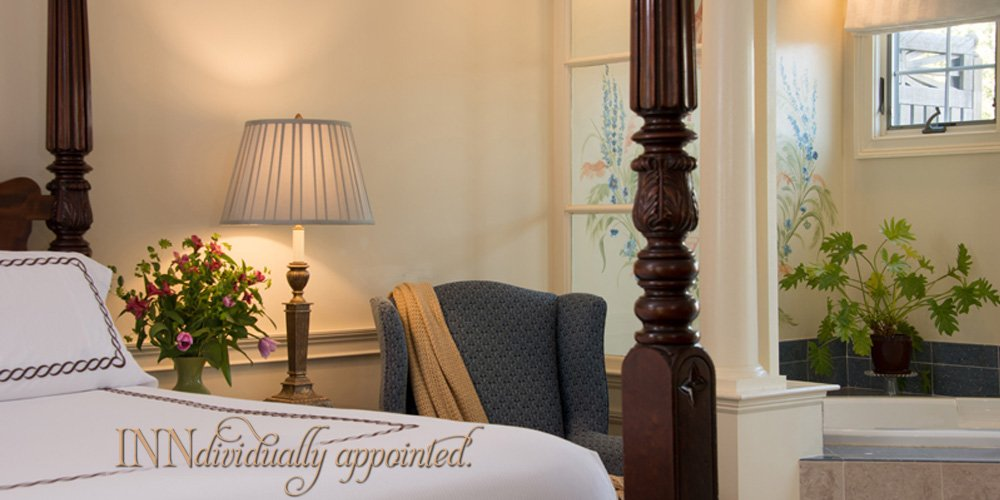 Beautiful rooms and suites at the Dan'l Webster Inn & Spa